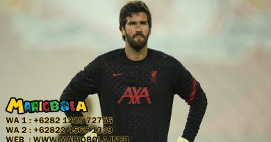Alisson Becker Kiper Liverpool Alami Masalah Otot
